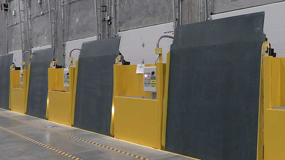 mcguire Vertical Storing Hydraulic Dock Leveler