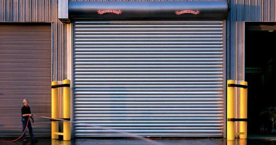 Commercial roll up garage door